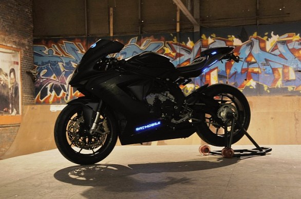 justin-bieber-gets-a-custom-mv-agusta-f3-657-for-his-19th-birthday-medium-1